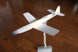 紙はカラーケント.機首のみ1.5mmイラストボード補強